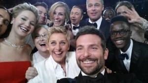 Cei-mai-mari-actori-intr-o-fotografie-selfie--la-Oscar-2014--Imaginea-care-a-blocat-Twitter-ul-