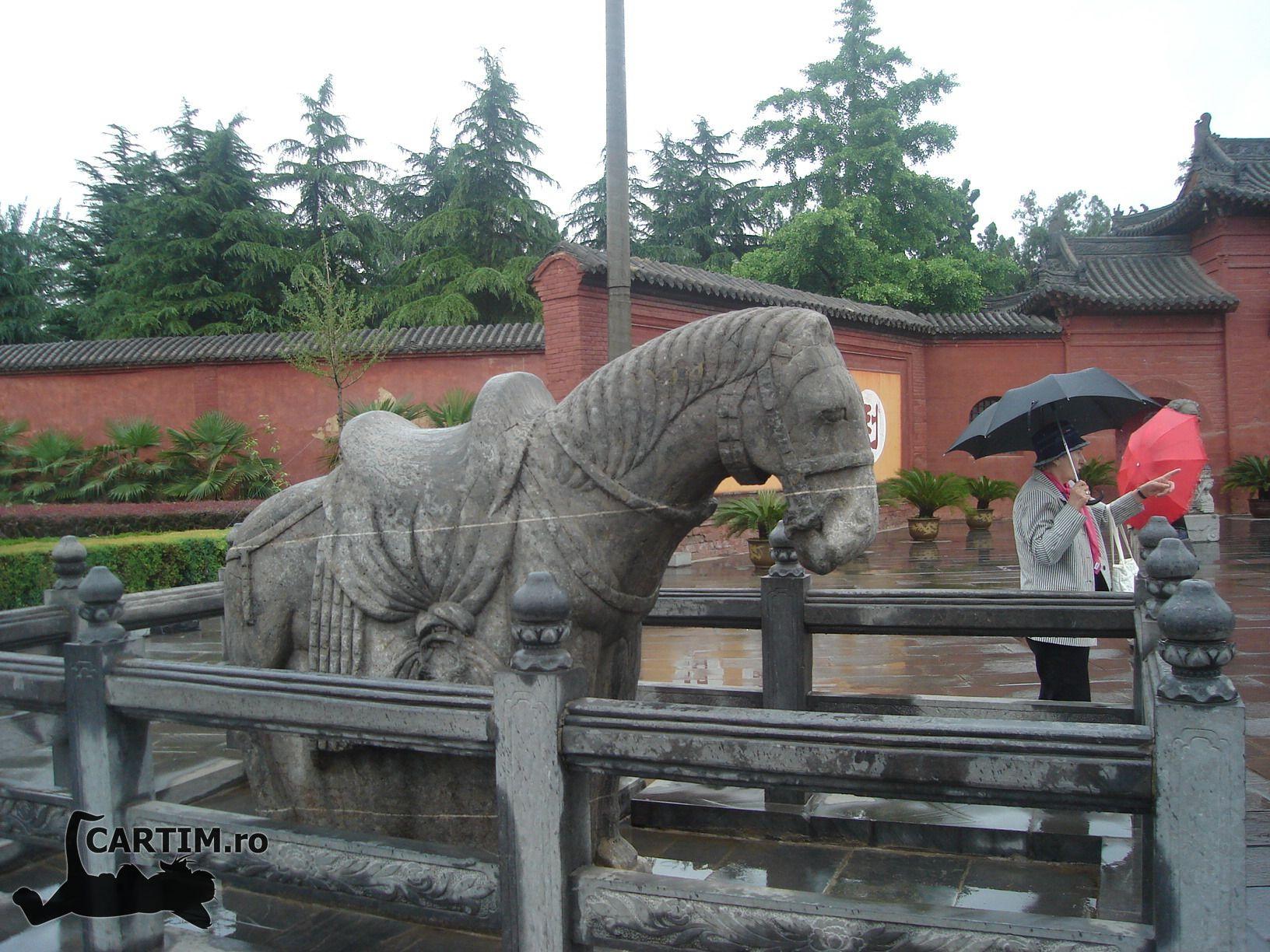 IF Luoyang-templul-calului-alb