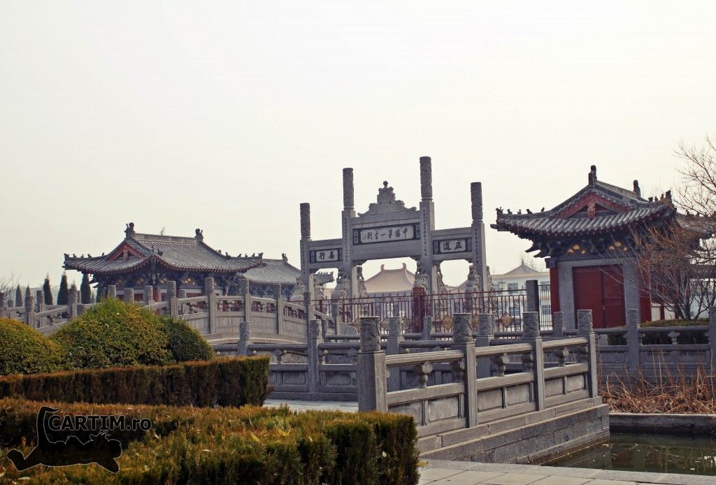 Luoyang-templul-calului-alb-