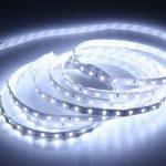 Banda LED adeziva inoveaza iluminatul casnic